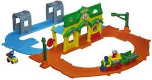 Click to open expanded view        Playskool Sesame Street Elmo Junction Train Set